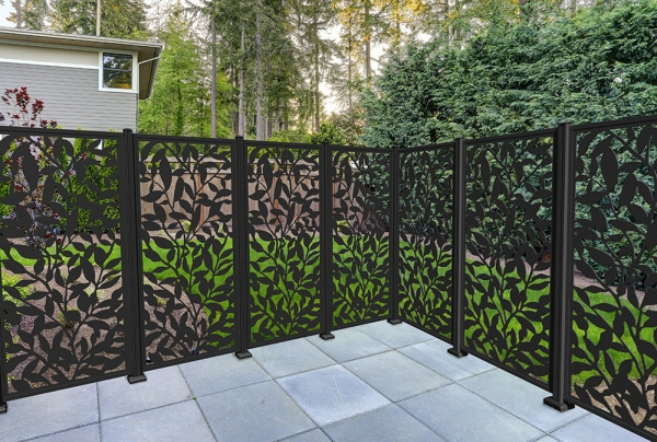 PDS-31650-Foliage-Resin-Screen-Lifestyle-Deck-Corner
