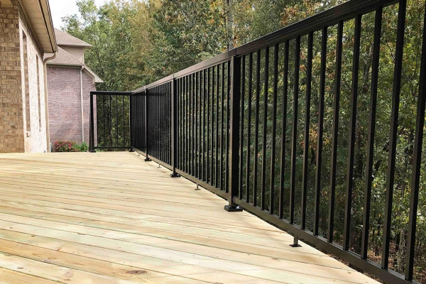 black-aluminum-railing-on-deck
