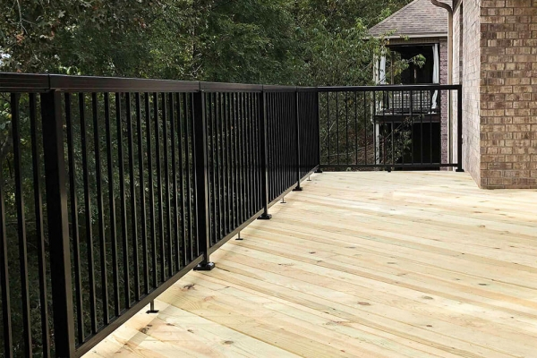 black-aluminum-railing-on-deck-img-2