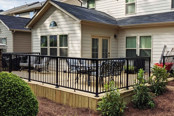 black-aluminum-railing-on-deck-img-3