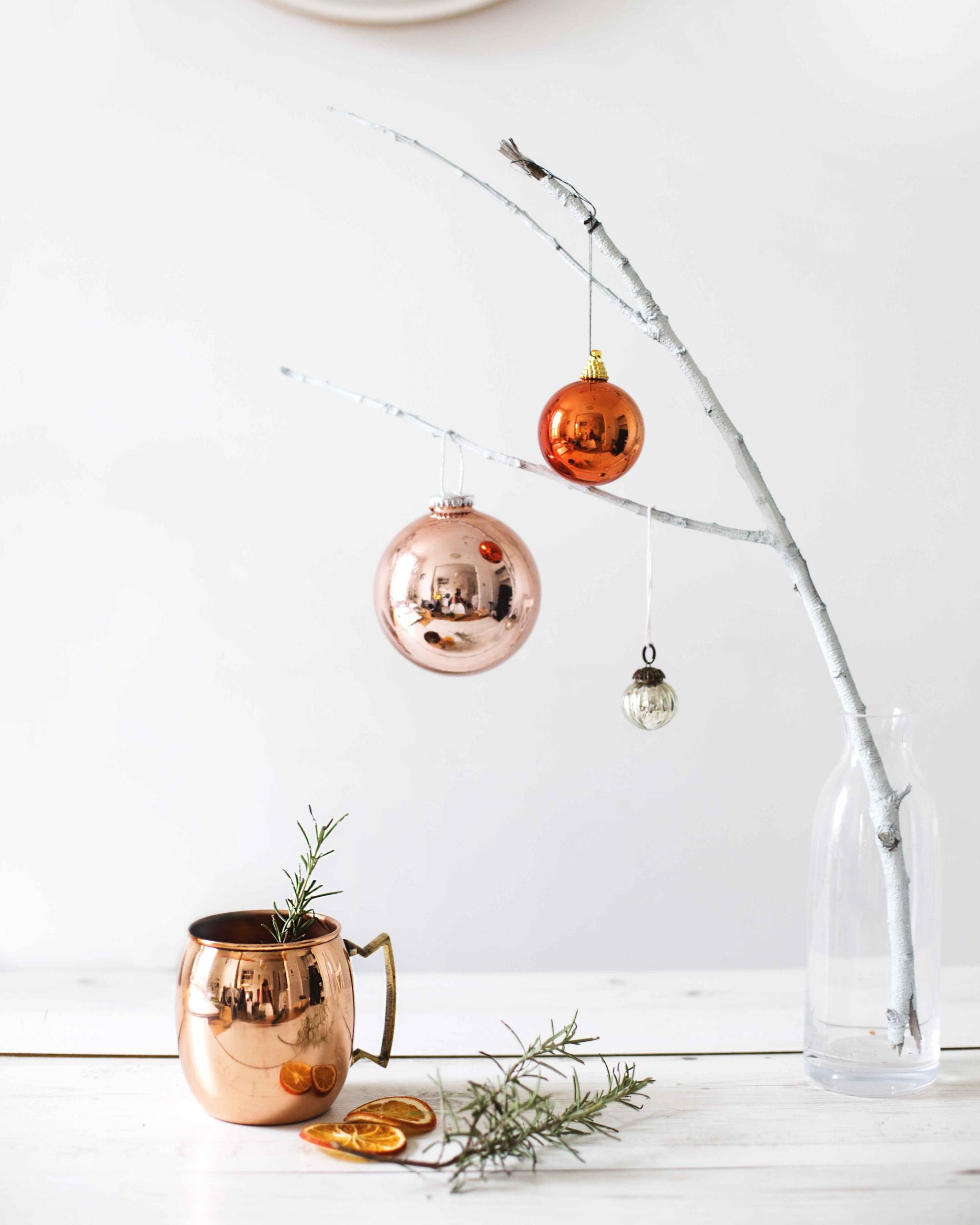 chic-and-minimal-christmas-decor