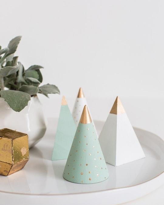 diy-mini-wooden-christmas-trees
