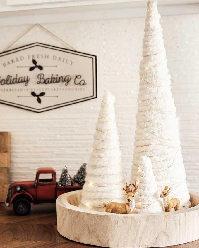 yarn-tree-twinkle-lights